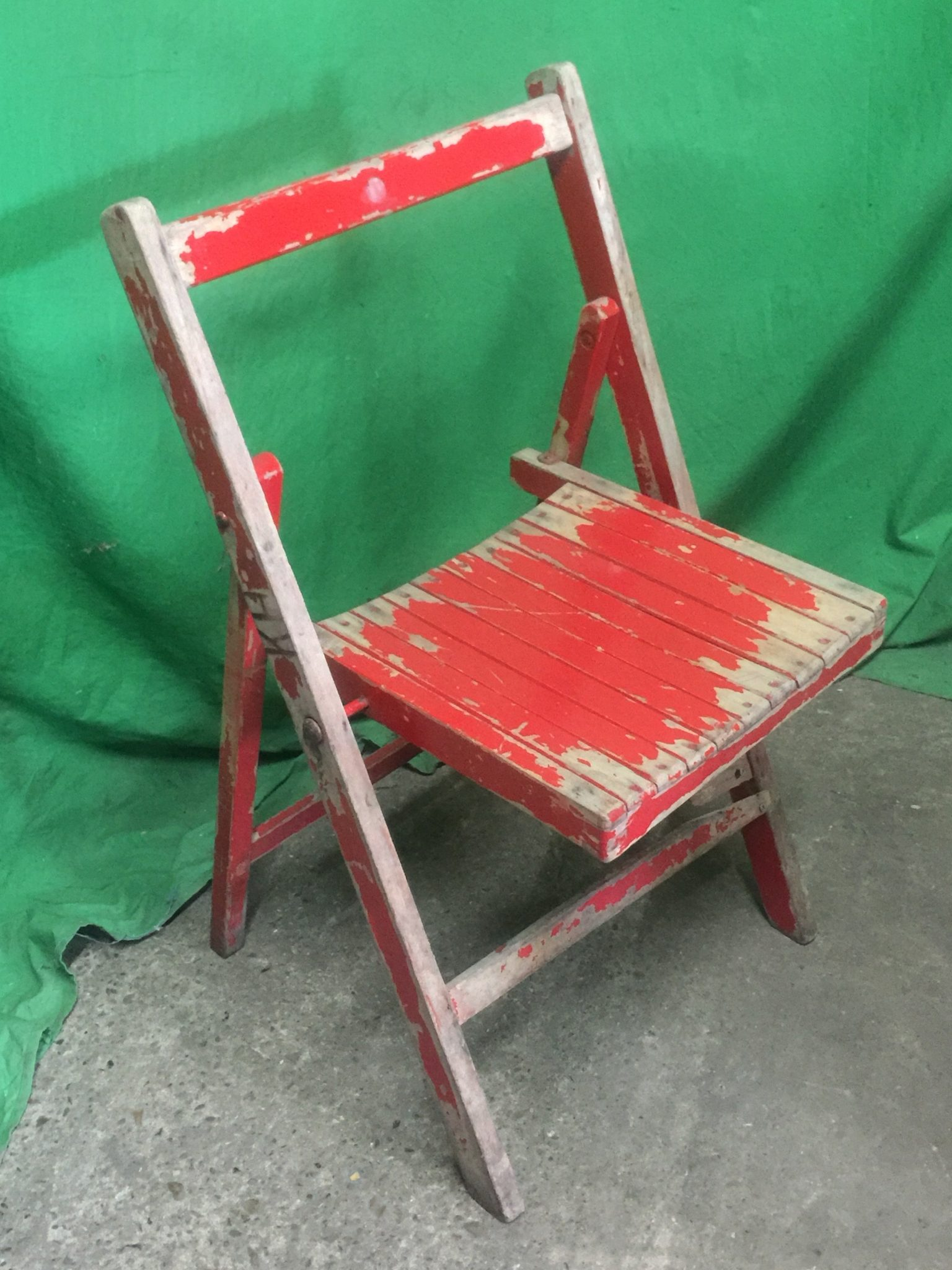 Thbfwcrp01 Red Painted Wooden Folding Chairs Trevor Howsam Limited