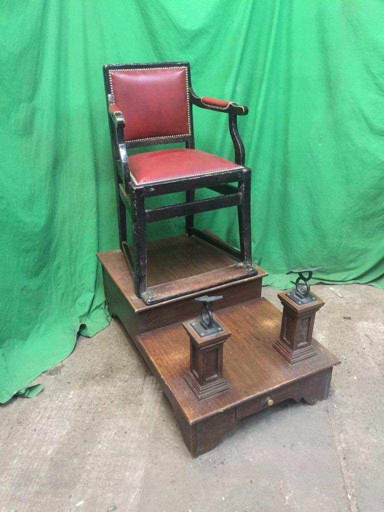 - THBSSC01 Shoe Shine Chair On Plinth • Trevor Howsam Limited